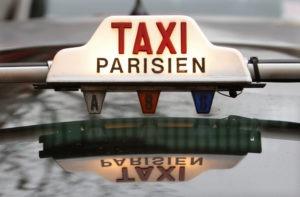 Voiture de Taxi Parisien
